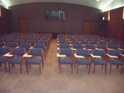 集会ホールの画像