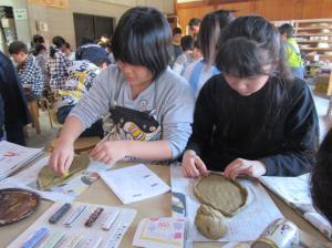 4年生校外学習笠間(3)