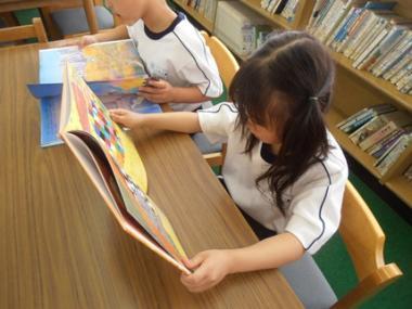 図書室 (3)