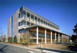 庁舎外観(西側)の写真